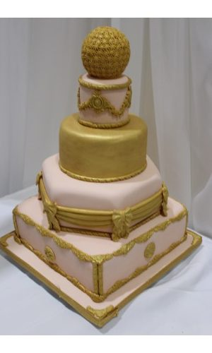 Crowning Glory Wedding Cake